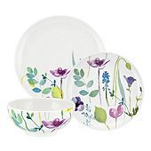 This Water Garden 12 piece set from Portmeirion is perfect for new home owners as it includes 4 dinner plates, 4 side plates and 4 cereal bowls. Made for modern day living, each piece is dishwasher and microwave safe. Garden Dining Set, Garden Table, Water Features In The Garden, Garden Features, Side Plates, Plates And Bowls, Salad Plates, Dinner Sets, Dinnerware Sets