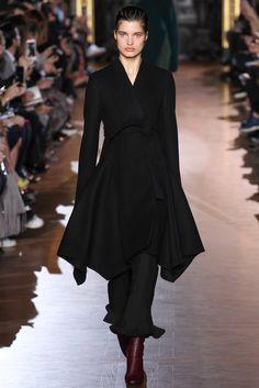 Stella McCartney - Fall 2015 Ready-to-Wear - Look 1 of 42