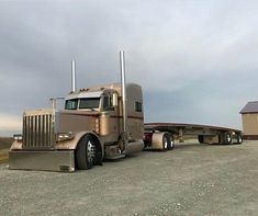 Peterbilt custom 379 slammed - US Trailer will sell used trailers in any condition to or from you. Contact USTrailer and let us lease your trailer. Click to http://USTrailer.com or Call 816-795-8484