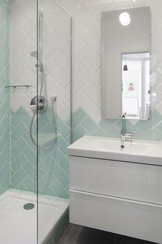 Salle de bain / Bathroom / disposition du carrrelage