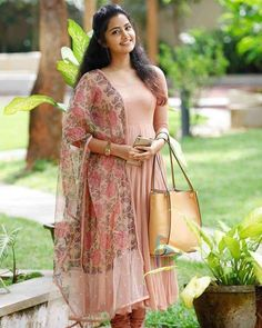 Anupama parameswaran largest image gallery of 200 cutest hot sexy unseen latest collection in which she is with her body show navel and big. Salwar Designs, Kurti Designs Party Wear, Kurti Neck Designs, Dress Neck Designs, Blouse Designs, Dress Indian Style, Indian Dresses, Indian Outfits, Indian Attire