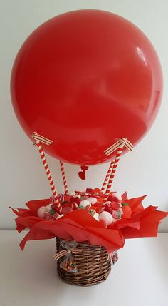 Pin by Lisa Palmer on table decor Valentine Gift Baskets, Valentine's Day Gift Baskets, Valentine Crafts, Valentine Day Gifts, Valentine Box, Pinterest Valentines, Balloon Box, Balloon Gift, Valentines Balloons