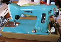 The Vintage Seamstress: The OTHER Vintage Sewing Machine...WHITE...
