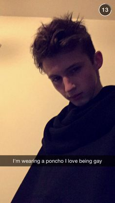 Lolol what Troye put on his story on snapchat