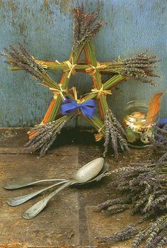 A fragrant lavender pentagram. I will make one for my witchy kitchen! Mabon, Samhain, Pentacle, Hedge Witch, Pagan Art, Wiccan Crafts, Season Of The Witch, Beltane, Kitchen Witch