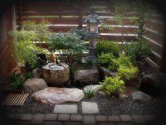 Jardinzinho Japonês / Japanese litle gardem - by justaninja, via Flickr
