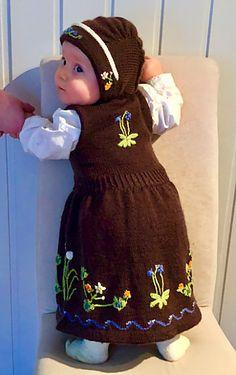 Ravelry: Senja-inspirert festdrakt pattern by IngriPingri- Design laget av Ingrid Gamst Ravelry, Summer Dresses, Pattern, Design, Fashion, Moda, Summer Sundresses, Fashion Styles, Patterns