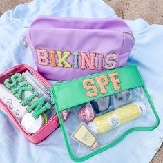 """Stoney Clover Lane on Instagram: """"Label everything ☀️💗✨"""" Preppy Girl, Preppy Style, Preppy Outfits, Cute Summer Outfits, Cute Little Things, Cute Bags, Beach Day, Things To Buy, Purses"""