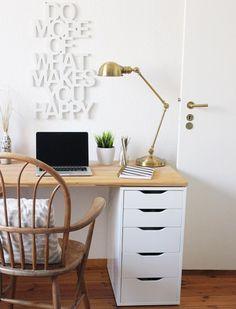 DIY desk for two using Ikea Alex drawer + a wooden. DIY desk for two using Ikea Alex drawer + a wooden countertop Diy Office Desk, Diy Desk, Home Office Desks, Work Desk, Office Decor, Office Chairs, Diy Crafts Desk, Craft Desk, Ikea Design