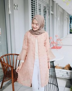Outer gemay by 🍂 Hijab Dress Party, Hijab Style Dress, Hijab Chic, Hijab Outfit, Hijab Casual, Muslim Fashion, Modest Fashion, Hijab Fashion, Dress Brokat