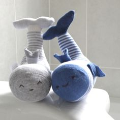 How cute are THESE ! lol They're whales. (by Sock 'N' Shoal)                                                                                                                                             (Diy Necklace Kids)