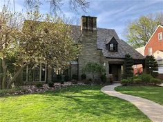Check out this home at Realtor.com $825,000 4beds · 2+baths 36 Standish Blvd, Mount Lebanon https://www.realtor.com/realestateandhomes-detail/36-Standish-Blvd_Pittsburgh_PA_15228_M40193-99652?cid=other_shares_core_ldp