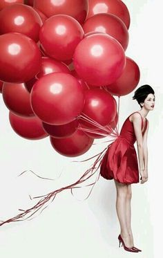 Little Red Dress — a definite Valentine's Day go-to! Love Balloon, Red Balloon, Black Balloons, Red Fashion, Fashion Shoot, Ballons Fotografie, Balloons Photography, Simply Red, Poster S