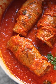 This authentic Italian braciole recipe is perfect for your Sunday's lunch meal. Get ready to have your mouth water as this recipe will taste like your Italian grandma made it from scratch! Steak Recipes, Lunch Recipes, Cooking Recipes, Cooking Ideas, Beef Dishes, Pasta Dishes, Braciole Recipe Italian, Beef Braciole, Pork Braciole Recipe
