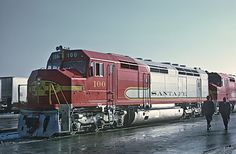 https://flic.kr/p/zCeXfY   ATSF FP45 100 brand new heading the Super C before its inaugural run, Corwith Yard, Chicago, IL on January 17, 1968   A Roger Puta photograph