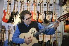 El patriarca de la música   A puro boca a boca, José Coutinho pasó de ser un técnico aficionado a convertirse en el experto al que recurren los músicos uruguayos para asesorarse sobre la compra y mantenimiento de sus instrumentos. Por Pablo Staricco.