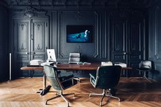 Located in Paris' iconic circular square, the Place Saint George is a company office space with a residential atmosphere. Traditional moldings and a herringbone wood flooring were left intact to compliment its historic setting, while sleek black lacquer gives the...