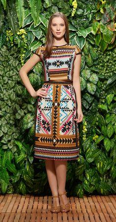 Blusa Cropped Africana Laço | Lookbook | Antix Store