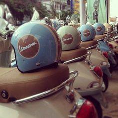 Vintage Motorcycles Vespa un jour, Vespa toujours - Vespa Lx, Piaggio Vespa, Vespa Bike, Motos Vespa, Lambretta Scooter, Scooter Motorcycle, Vespa Scooters, Triumph Motorcycles, Vintage Motorcycles