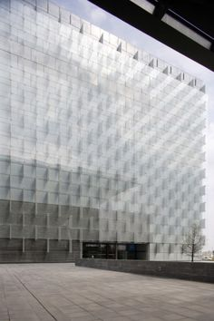 Rafael de La-Hoz Arquitectos - District C Telephone headquarters, Madrid 2008 (previously, the lobby). Via.