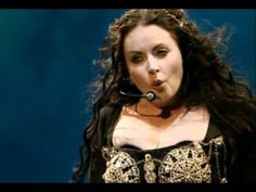Sarah Brightman - Who Wants to Live Forever (One Night in Eden) 'One Night in Eden' is a live concert recording by Sarah Brightman, inspired by her Eden album. The premiere concert held in Johannesburg, South Africa was recorded in 1999.