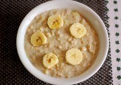 Bei Maria gab es den - momentan - obligatorischen Porridge mit Banane und ERDNUSSBUTTER! Das muss ich auch probieren!