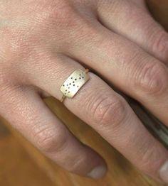 Rectangle Dot Gold Ring