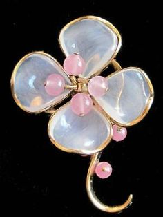 Vintage-1940s-Alfred-Philippe-Trifari-Poured-Glass-Flower-Brooch