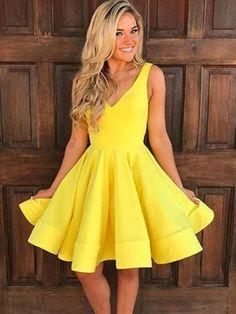 3aa7875c8 Yellow V-Neck Ruffles Knee-Length Homecoming Dress. Roupas EstilosasDança Da  8ª SérieVestidos ...