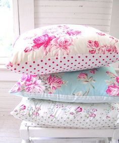 Pretty floral #cushions for a pretty #ShabbyChic #bedroom.