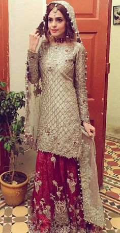 Here are the latest bridal walima dresses in Pakistan which includes a variety of wedding styles such as long frocks or maxi, gowns, short frocks or kurti with lehenga. Pakistani Dresses Online, Pakistani Wedding Outfits, Pakistani Wedding Dresses, Pakistani Dress Design, Bridal Outfits, Indian Dresses, Pakistani Clothing, Wedding Hijab, Bridal Mehndi Dresses