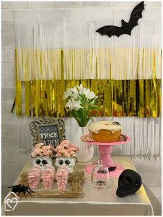 Mini table de Halloween Mini, Trick Or Treat, Birthday Cake, Treats, The Bell Jar, Halloween Stuff, Ideas, Fiestas, Girlfriends