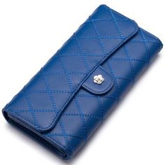 Small sizes, BIG style! Stock up on #clutches #wallets