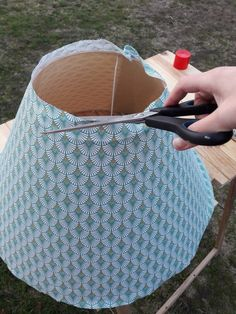 How to revamp a lampshade? --Comment relooker un abat-jour ? – How to revamp a lampshade? Shabby Chic Lamps, Creation Deco, Lamp Shades, Diy Gifts, Home Deco, Diy And Crafts, Creations, Sewing, Fabric
