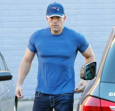 Even the Joker can't deny that he's jacked! Ben Affleck ran errands on Wednesday, Feb. 11, where he made a shocking appearance with his buffer-than-ever physique.