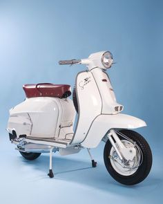 For Sale Vintage Vespa Code: 4834759575 Scooters Vespa, Piaggio Vespa, Lambretta Scooter, Scooter Motorcycle, Motor Scooters, Mobility Scooters, Cool Bicycles, Cool Bikes, Scooter Images