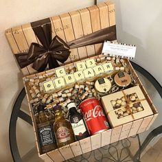 15 ideas birthday diy gifts for dad Diy Party Gifts, Diy Xmas Gifts, Diy Gifts For Dad, Diy Gift Box, Craft Gifts, Christmas Gifts, Birthday Candy, Birthday Box, Birthday Balloons
