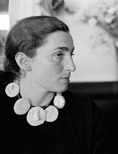 Jacqueline Picasso wearing a ceramic necklace designed by her husband Pablo Picasso. She met Picasso whilst working at the Madoura Pottery, where Picasso designed his ceramics from 1953 - 73 (via Design for Today) Ceramic Necklace, Ceramic Jewelry, Ceramic Beads, Clay Jewelry, Ceramic Art, Jewellery, Pablo Picasso, Keramik Design, Simone De Beauvoir