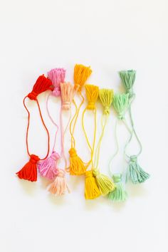 how to make colorful rainbow tassels from embroidery thread!