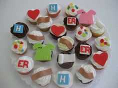 i like the bandage. Medical cupcakes