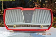 """1960s Gilligan's Island Coral Pink Westinghouse AM Radio Alarm Clock with """"Doze"""" function Works!"""