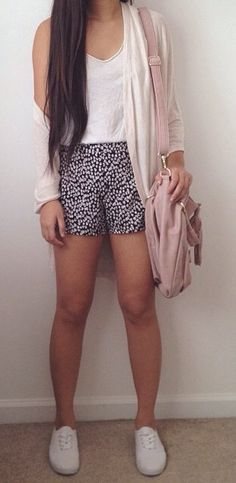 Spring outfit. Teen fashion.
