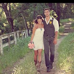 Wedding Dresses with Denim Jackets for Rustic Look | Sangmaestro ...