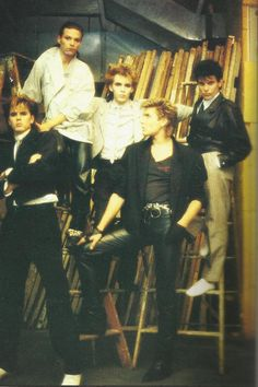 I'd really like to know, had anyone met any of the Duran members?? It'd make me so happy to know you did!:D Be cool!!!