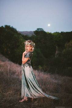 Photography: Laura Goldenberger Photography That pose tho Dreamy Photography, Senior Photography, Night Photography, Portrait Photography, Fashion Photography, Photoshoot Inspiration, Photoshoot Ideas, Senior Girls, Pics Art