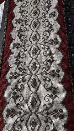 Bohemian Rug, Rugs, Patterns, Decor, Cross Stitch Embroidery, Punto De Cruz, Dots, Manualidades, Driveways
