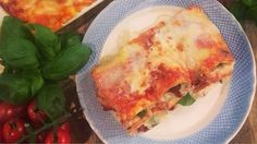 Cannelloni filled with sun-dried tomatoes, mozzarella and basil