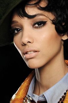 Makeup trends 2012 Fall Winter the graphic eyeliner - Swide