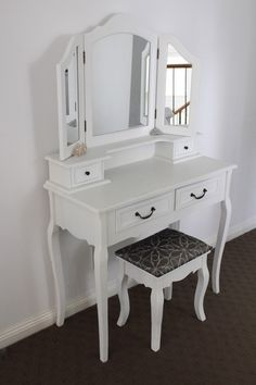 Super Ideas For Makeup Artist Chair Dressing Tables Makeup Artist Chair, Vintage Dressing Tables, Hippy Room, Vanity Room, Wall Shelves Design, Minimalist Room, Room Decor Bedroom, Dorm Room, My Room