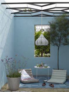 Moderne tuin van Appeltern. Prachtige kleuren die je ook kunt toepassen in huis.